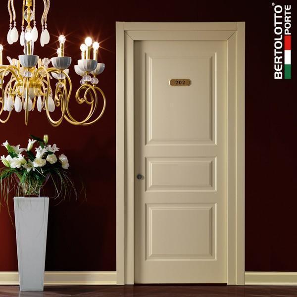 Porta classica in legno