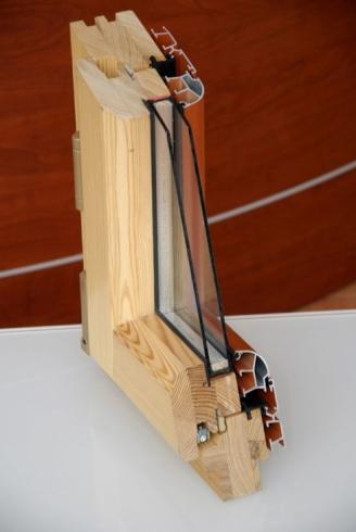 Finestra legno vetro
